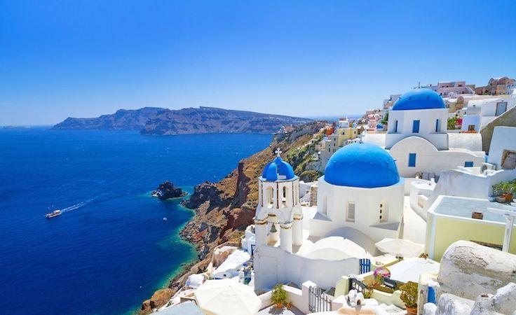 Χρωματα και Αρχιτεκτονική. Το Λευκό χρώμα κυριαρχεί στα Νησιά του Αιγαίου.