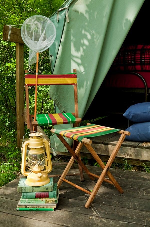Tents only - that's my idea of how to run a camp ground (though I find tiny trailers charming, that's just NOT camping).  Ohhhhh for a camping vacation in a humble, happy tent like THIS.