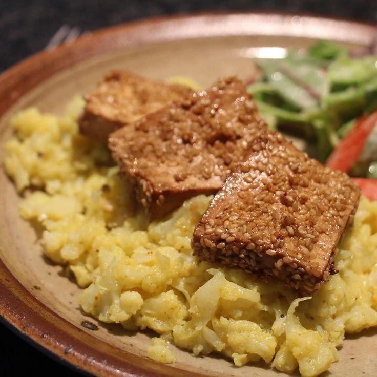 Gebakken tofu en bloemkoolpuree met kurkuma. Yummie veggie! #food #puurpascale