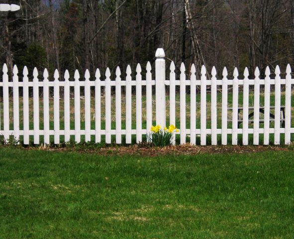Top Tips To Help You Replace Your Garden Fence