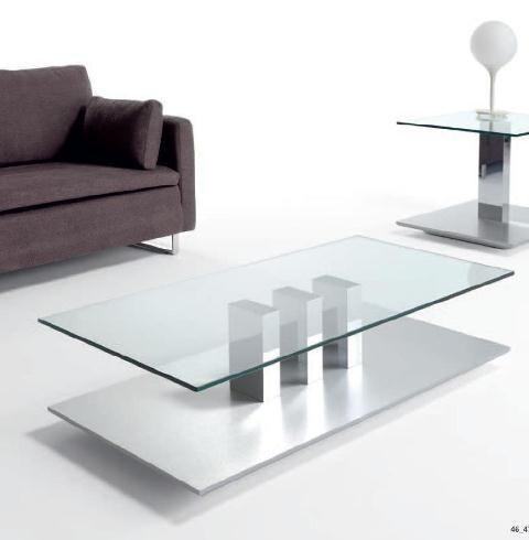 Mesa de centro con cristal y tres pies centrales