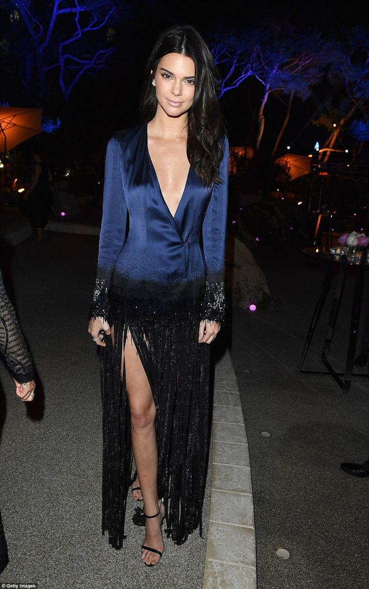 Eharmony girl in blue dress hm