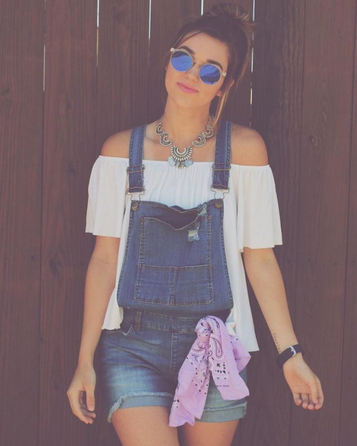 "Sadie Robertson on Instagram: ""shoutout to @wildbluedenim for these overalls to make for the PERFECT festival look  also shout out to tennis for my awful tan line that tried to ruin my awesome festival look. 4.8.16"""