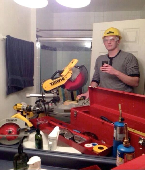 Hard Hat Man-Worlds Stupidest Selfies
