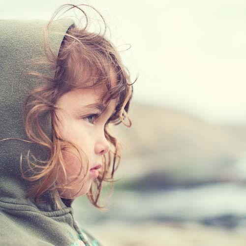De quoi le henné traite les cheveux