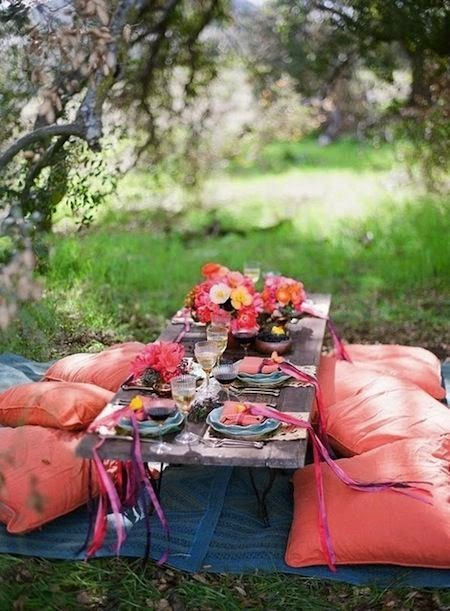 The Essentials to Organizing An Easy Summer Picnic! #Summer #Picnic #OutdoorLiving