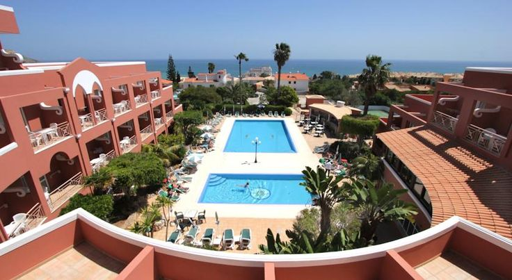 Hotel Belavista Da Luz Lagos Overlooking the bay of Praia da Luz with its sandy beach only 600 metres away, this family-run hotel offers 2 outdoor pools. Each air-conditioned room has a private balcony.