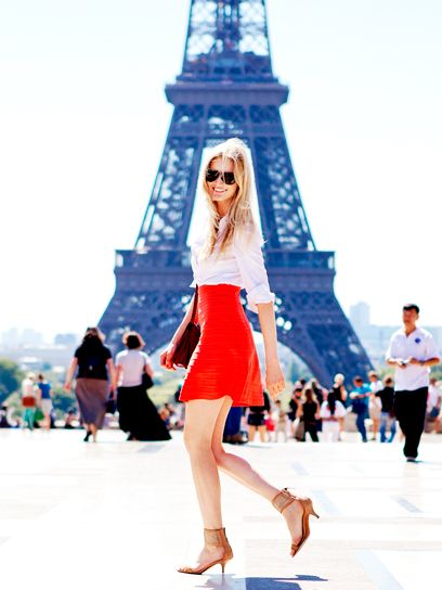 Candice looking casual and gorgeous doing french chic in Paris. LOVE the red skirt, its on fire!