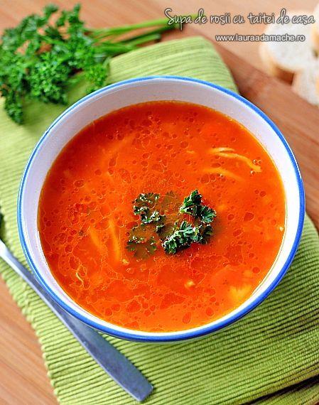 Supa de rosii cu taitei de casa - retete culinare, supe. Reteta de supa de rosii cu taitei de casa. Reteta aluat de taitei de casa pentru supa de rosii.