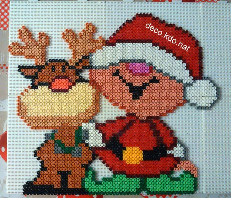 Christmas hama perler beads by Deco.Kdo.Nat - Pattern: http://www.pinterest.com/pin/374291419006123406/