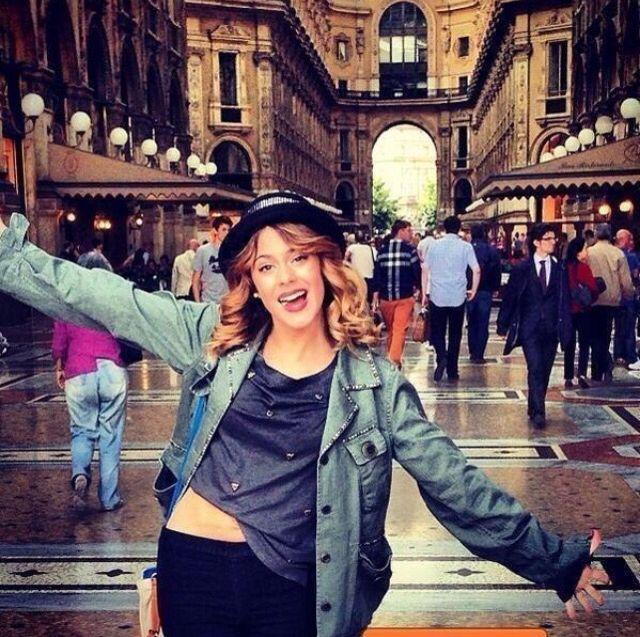 Tadaaa!! In The Mall!!