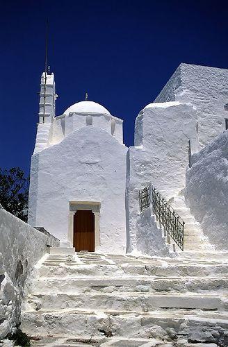 church in Paros    :::  photo by Loic Pinseel