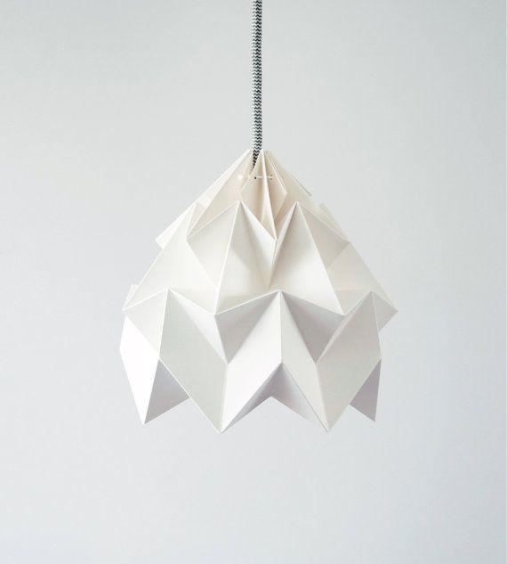 Moth origami lampshade white par nellianna sur Etsy, €59.00