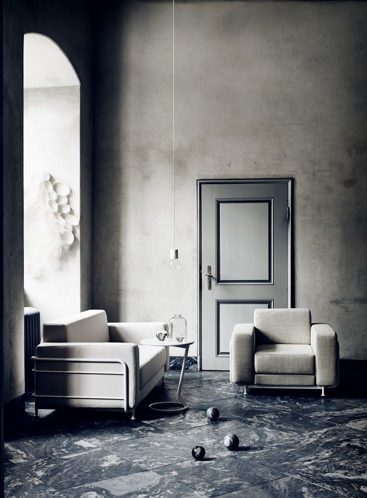 Jetzt bei Desigano.com Silver Sessel Einzelbett Lounge Sessel von Softline ab Euro 554,60 € https://www.desigano.com/lounge-sessel/123-silver-sessel-einzelbett-softline.html Gemütliche und minimalistische Eleganz in einemSILVER erlaubt es Ihnen auch in kleinen oder verwinkelten Räumen einen kompakten Sitz- oder Schlafbereichzu schaffen. Wählen Siebeim Stuhl oder dem Sofa zwischen einer Vielzahl von Farben und Stoffmaterialen. Der Metallrahmen ist in weißoder hochglanz Aluminium verchromt…