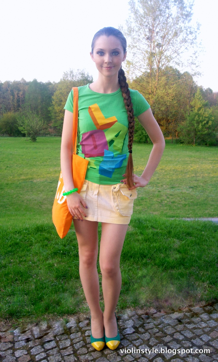Neon & pastel outfit with Jamaican colors high heels :)