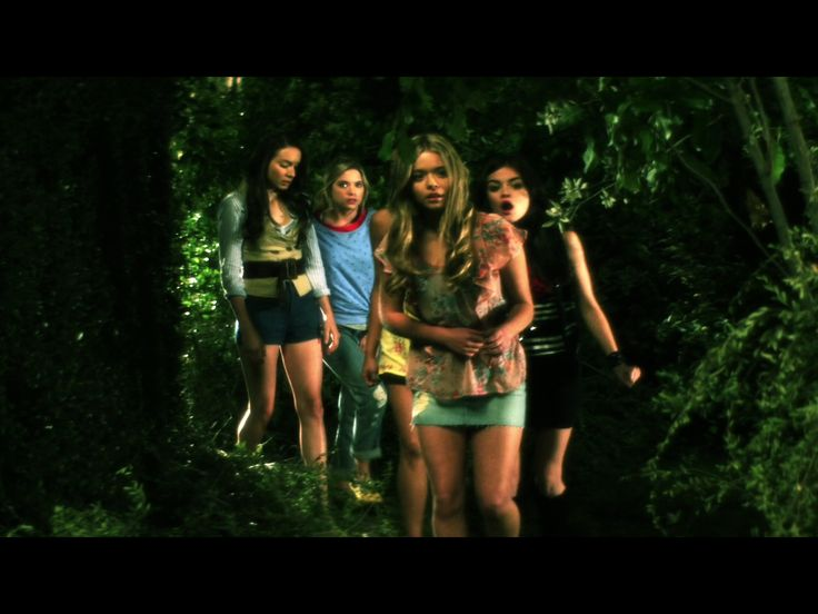 1x2 (flashback alison and emily spencer hanna aria)