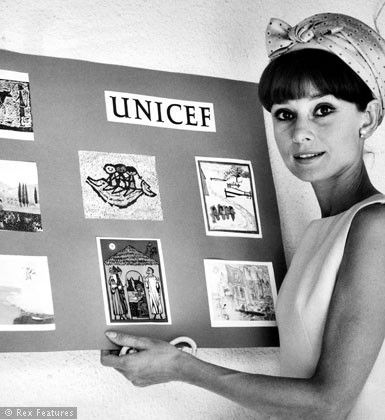 Audrey Hepburn launches the 15th anniversary UNICEF greeting card campaign in Madrid 1964