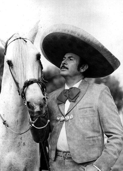 Antonio Aguilar, this photo brings tears to my eyes. El ultimo caballero y singer,amor