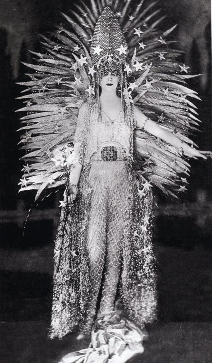 """Wow. Just, wow.  - Luisa Casati, 1922 // Luisa, Marquise Casati Stampa di Soncino (23 January 1881 – 1 June 1957) was an eccentric Italian heiress, muse, and patroness of the arts in early 20th century Europe. As the concept of dandy was expanded to include women, the marchesa Casati fitted the utmost female example by saying: """"I want to be a living work of art""""."""