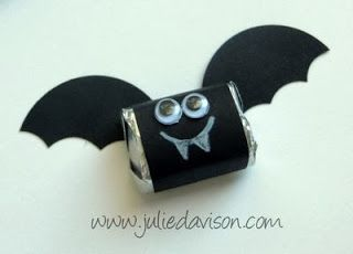 Julie's Stamping Spot -- Stampin' Up! Project Ideas Posted Daily: VIDEO: Halloween Chocolate Nugget Bat