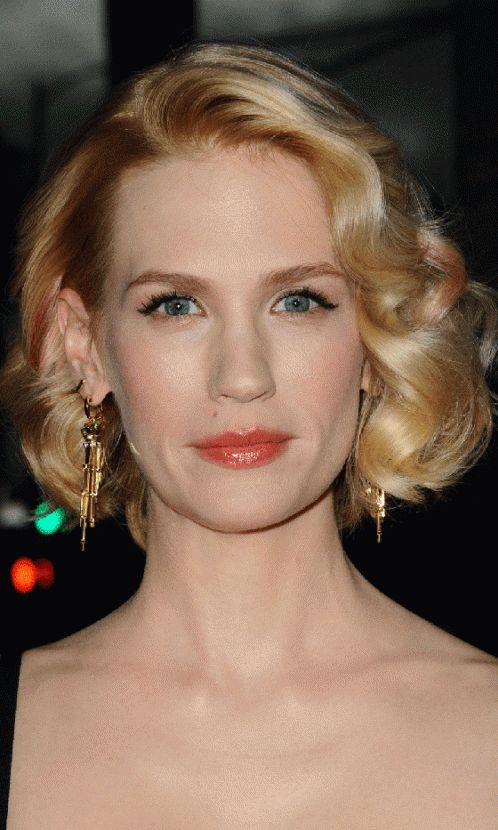 January Jones's Curled Bob Hairstyle At The Mad Men Premiere, 2013