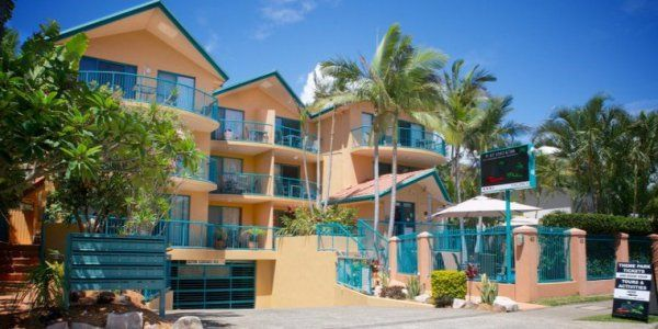I Love Schoolies - Karana Palms Resort - Surfers Paradise Schoolies Accommodation