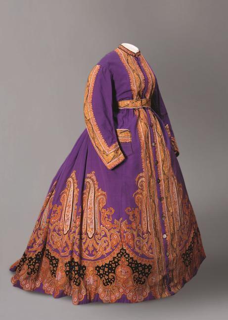 """Expo """"Folie Textile"""" : robe d'intérieur imprimée vers 1865. Musee de'l'Impression sur Etoffes."""
