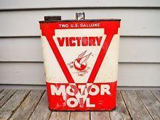 VINTAGE 2 GALLON VICTORY MOTOR OIL CAN VICTOR OIL CO. DETROIT MICHIGAN RARE! NR!