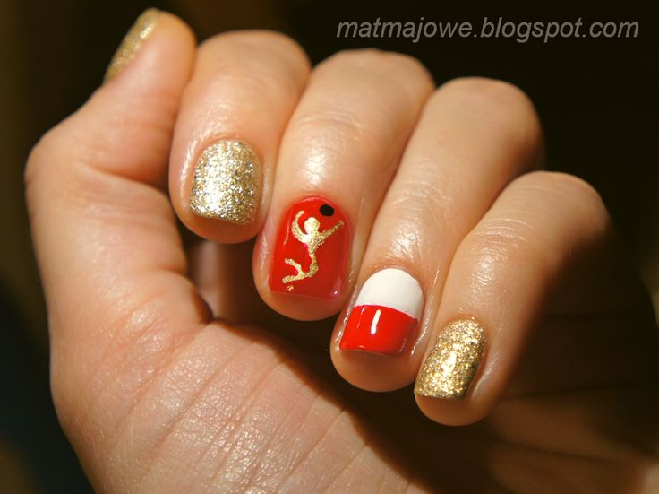 Voleyball finals nails - we played for gold, so I made them golden. And it helped :) Poland won the gold! http://matmajowe.blogspot.com/2014/09/voleyball-finals.html