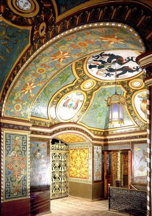 YUSUPOV PALACE (1727-1917), MOSCOW ~ THE CHINESE ROOM. One of the most beautiful rooms of the building painted in Chinese style that was fashionable in the end of the 19th century.