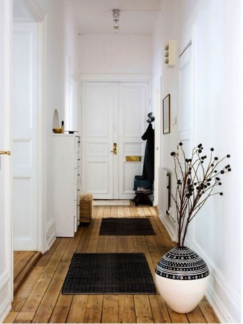 "Luminous hallway. That ""Morrocan"" vase is gorgeous!"