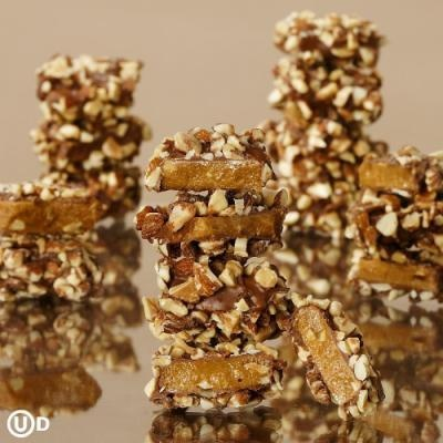 Holiday Candy Recipes: Butter Toffee Crunch Candy