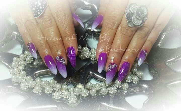 Stiletto purple naols design