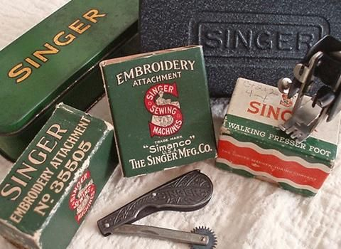 Singer Featherweight 221 & 222 Attachments, Accessories - an exhaustive list of vintage parts, photos and FREE manuals. Common or scarce, you'll find it here.
