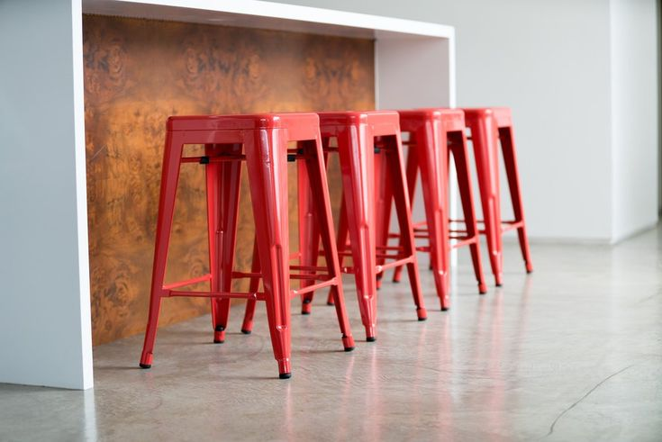 Red is the color! Check out our beautiful red @TheUrbanMod stools right here: https://www.urbanmod.net/collections/stools/products/24-steel-counter-height-stool-red-set-of-four
