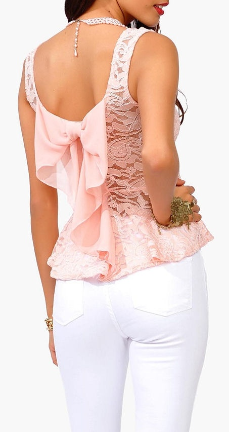 ★ I don't like pink, but this shirt has 3 things I do like: a peplum style, lace and a bow. :)