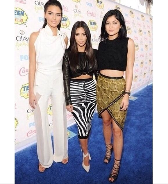 Kendall, Kim, and Kylie at Teen Choice Awards 2014