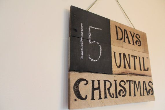 Rustic wood pallet countdown to Christmas chalk board calendar wall hanging decoration