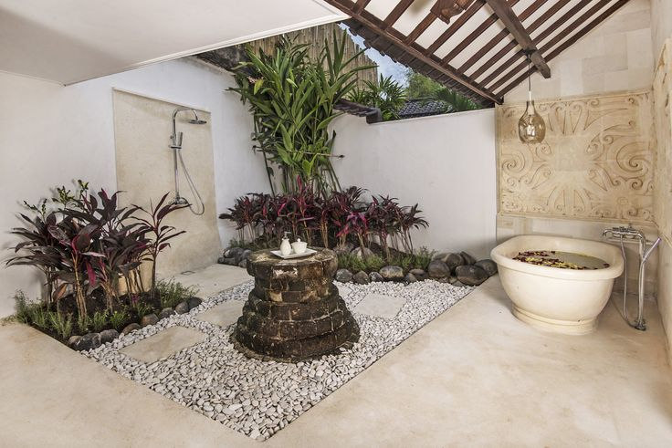 Villa 2 bathroom at Villa Kubu, Seminyak, Bali
