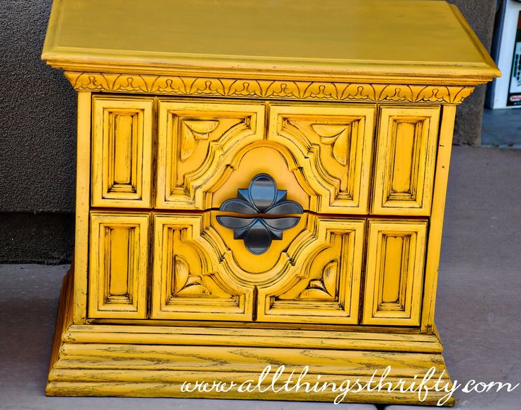 All Things Thrifty: Painting Furniture 101 - We have all hand me down dressers that REALLY need sprucing up. This could be the ticket!
