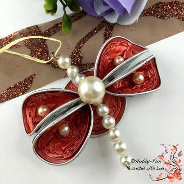 Wunderschöne handgemachter Schmetterling aus Kaffeekapseln, Perlen, und Draht.  Eine kleine Schönheit zum Aufhängen in z. B. Fenster, an Ästen etc. etc.