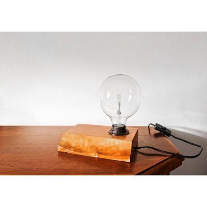 Lampada da tavolo  http://matea.it