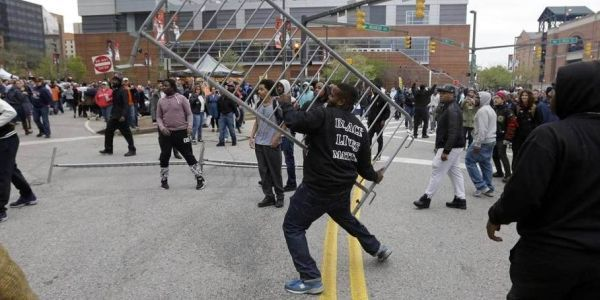 I BELIEVE IN MARCHING BUT I DON'T BELIEVE IN TAINTING FREDDY GREY'S MEMORY OR GOING ON KILLING SPREES TO GET A POINT ACROSS . IT MAKES YOU NO BETTER THAN TAINTED COPS. WRONG IS WRONG NO MATTER WHAT THE COLOR!
