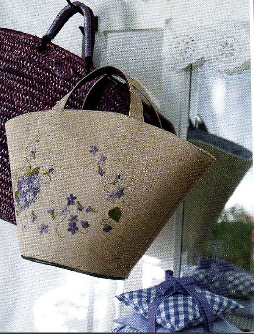 """made by Reiko Mori in """"リネンに刺繍"""""""