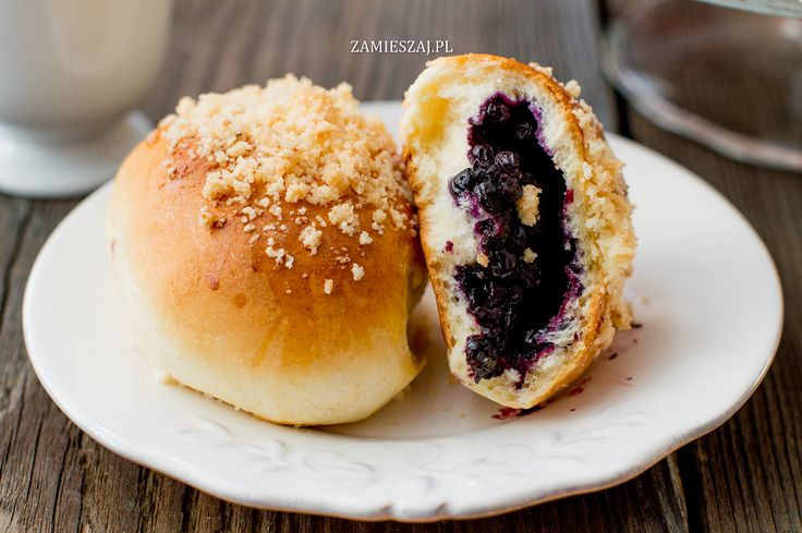 Jagodzianki z kruszonką - Blueberry buns