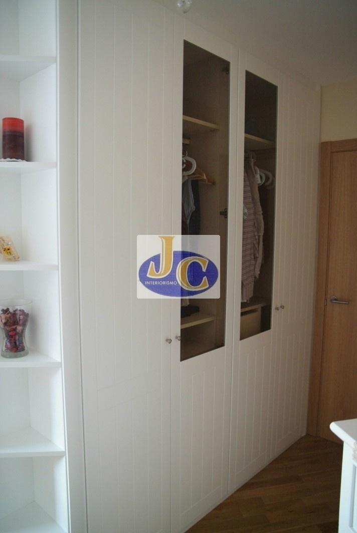 Frente de armario lacado en blanco fresado Vista de hojas con cristal transp -> Armario De Banheiro Lofty