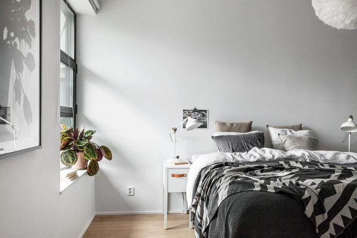 Bedroom Sovrum säng Hammarby Allé 53 B   Fantastic Frank