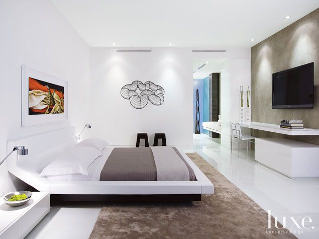 https://i.pinimg.com/736x/6a/76/fb/6a76fb8f0348d3946df86b45594232ac--bedroom-modern-white-bedrooms.jpg