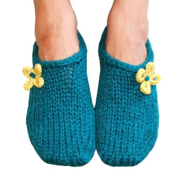 I need to make a pair of these!!! Two Hour Toe Up Slippers - via @Craftsy