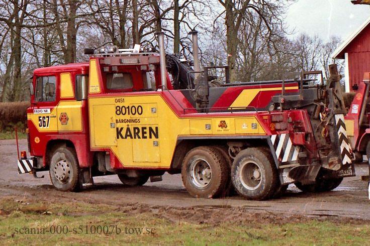Höger: Scania LBS141.